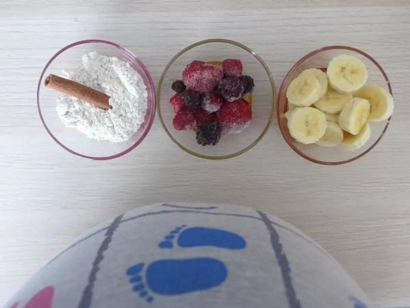 canela, barriga, framboesas, banana, papas de aveia