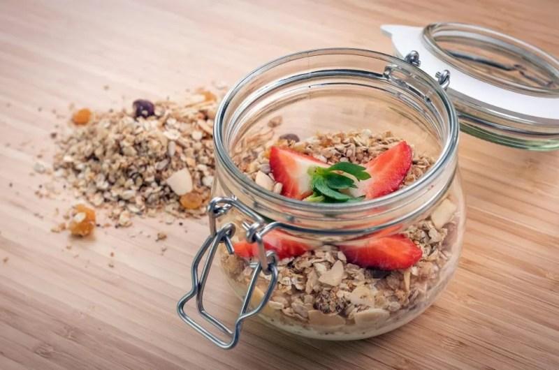 Como  fazer granola de frutos secos em casa