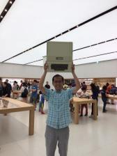 Luke Hsu at Taiwan Apple Store