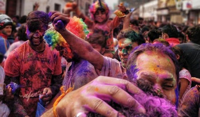 5 cuidados com o telefone durante o Carnaval