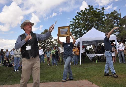 nonprofit auction items