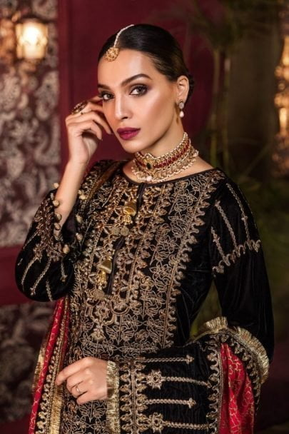 Tehzeeb by Mohagni Embroidered Velvet Collection 2020 Unstitched 3 pcs Luxury Suit TMEV19-01