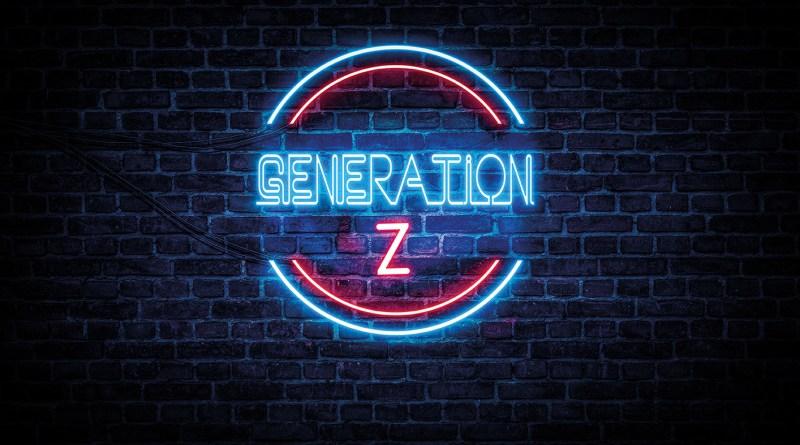 Blau-rote Neontafel auf Backsteinmauer, auf der steht: GENERATION Z. NachtZeichen