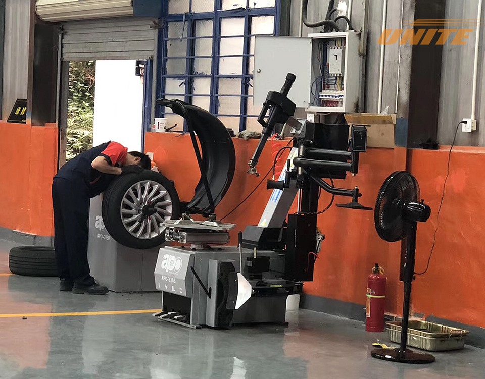 APO vehicle service equipment in the workshop