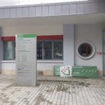 apogeo-segnaletica-totem-per-esterno casa della salute spilamberto