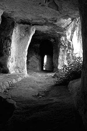 tomb2