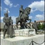Amenintarea HUNA. La Sfantu Gheorghe este in proiect daramarea statuii lui Mihai Viteazul