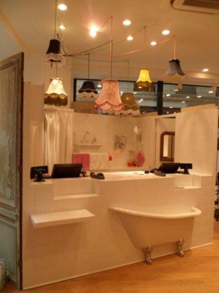 caisses salles de bain