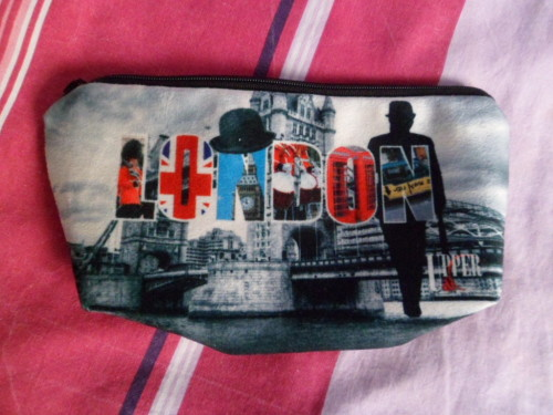 trousse maquillage London