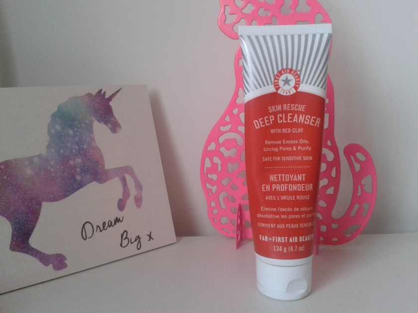 first aid beauty nettoyant