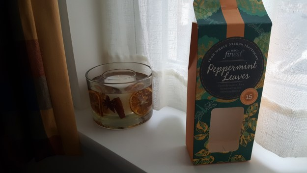 infusion-peppermint-leaves