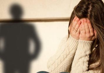 Προφυλακίστηκε ο 39χρονος ο πα-τέρας για ασέλγεια στην κόρη του !