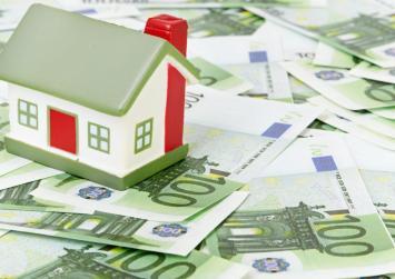 ΥΠΟΙΚ: Το 90% των φορολογούμενων θα πληρώσει είτε λιγότερο είτε τον ίδιο ΕΝΦΙΑ σε σχέση με πέρυσι
