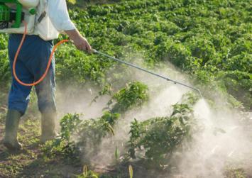 Ξεκινούν οι έλεγχοι για τους χρήστες γεωργικών φαρμάκων
