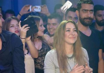 Στα Χανιά η Μελίνα Ασλανίδου -Τραγούδησε σε συναυλία του Τζουγανάκη (βίντεο)