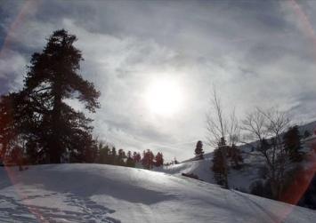 «Στα λευκά» η Βασιλίτσα Γρεβενών – Στους 10 πόντους το χιόνι!