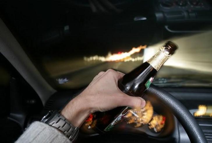 35χρονη στη Λαμία οδηγούσε μεθυσμένη με τα παιδιά της στο πορτ – μπαγκάζ