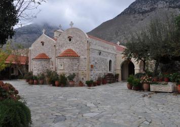 Γιορτάζει στις 5 Μαίου η Μονή Αγίας Ειρήνης στον Κρουσσώνα (φώτο)