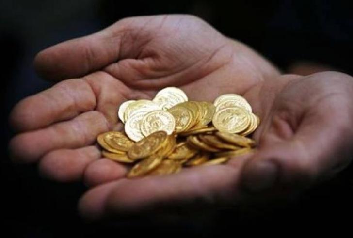 Κρήτη: Μπήκαν στο σπίτι της και της έκλεψαν 30 χρυσές λίρες!