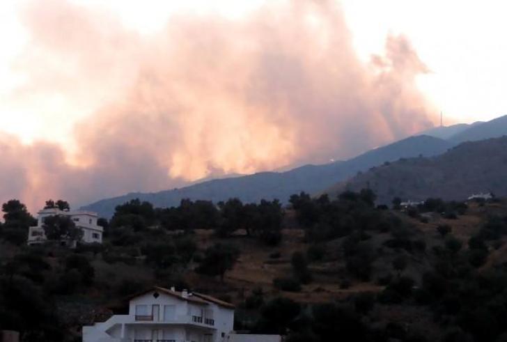 """Η φωτιά στις Μέλαμπες φούντωσε τον φόβο για το """"αφύλαχτο"""" νότιο Ρέθυμνο"""