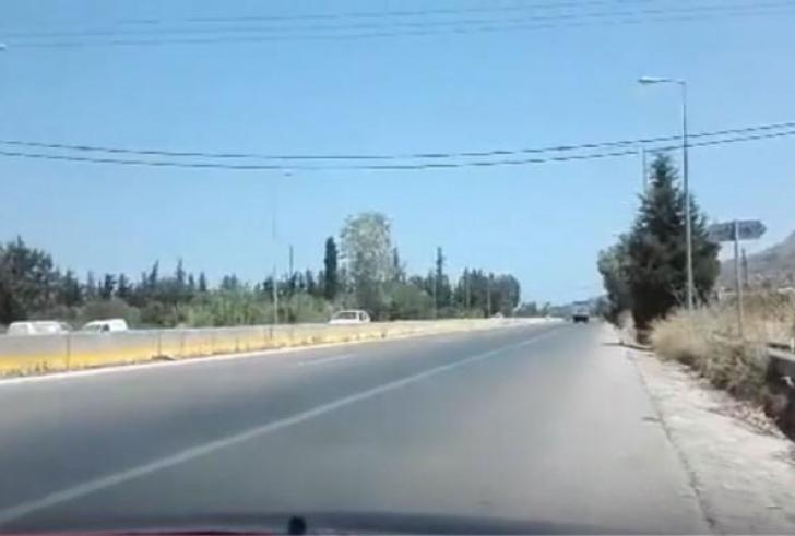 Απίστευτο περιστατικό από οδηγό στην εθνική στα Χανιά (Βίντεο)