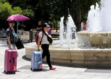 Ρεκόρ καύσωνας έρχεται στην Αθήνα με 48 βαθμούς