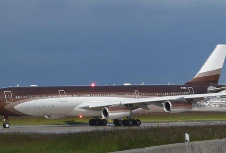 Το υπεροπολυτελές αεροπλάνο του πλουσιότερου Ρώσου, Αλισέρ Ουσμάνοφ, στα Χανιά