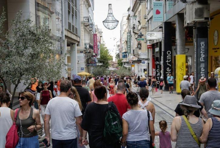 Εκθεση-σοκ: Οι Ελληνες θα μειωθούν κατά 2,5 εκατ. έως το 2050… και αυτό είναι μη αναστρέψιμο!