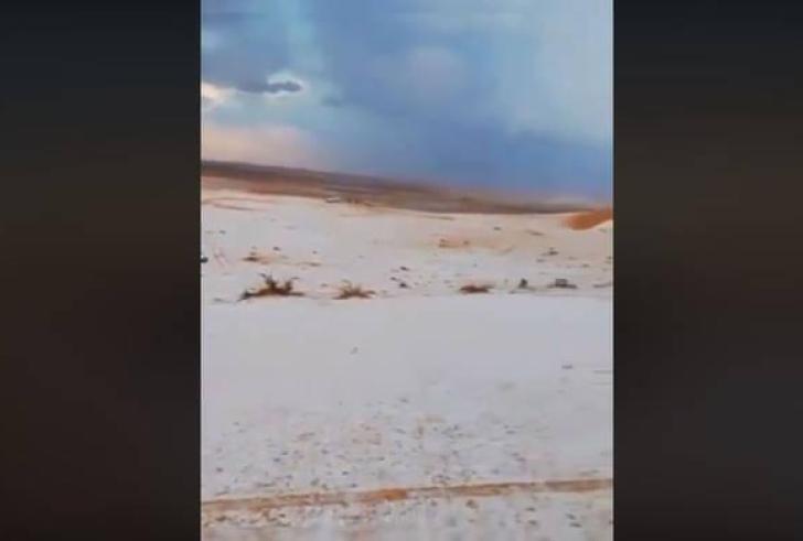 Απίστευτο! Το «έστρωσε» στην καυτή έρημο της Σαουδικής Αραβίας (βίντεο)