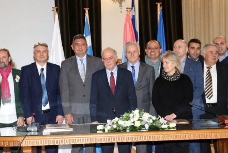 Αδελφοποιήθηκε ο Δήμος Ηρακλείου με τον Δήμο Τσουκάριτσα