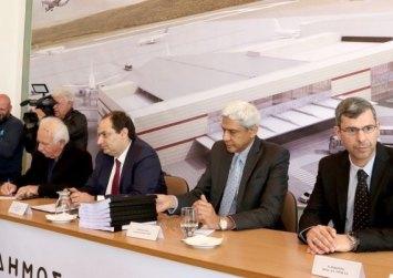 Οι υπογραφές για το νέο αεροδρόμιο στο Καστέλλι – Έντονες αντιδράσεις