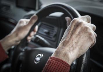 Τι θα γίνει με τα διπλώματα οδήγησης των άνω των 74 ετών