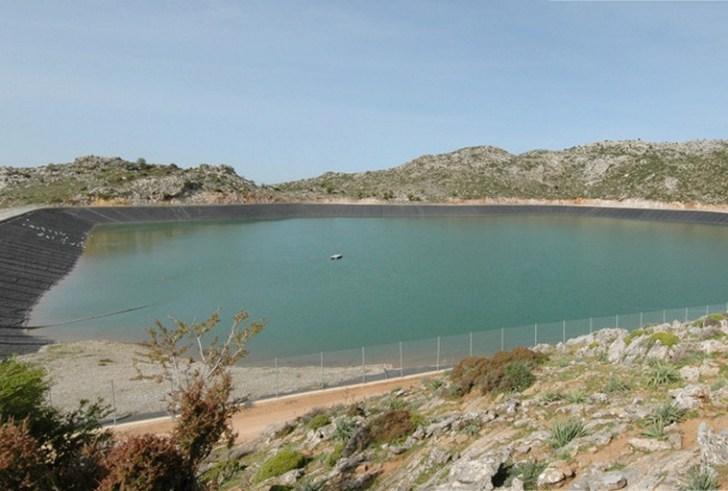 Επισκευάζεται και θα επαναλειτουργήσει η λιμνοδεξαμενή Άνω Ακρίων