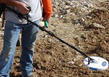 Κρήτη: Αντί να βλέπουν τα αρχαία έκαναν βόλτα με ανιχνευτή μετάλλων