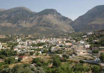 Κρήτη: Στη Βουλή το θέμα της επανασύστασης των πρώην δήμων