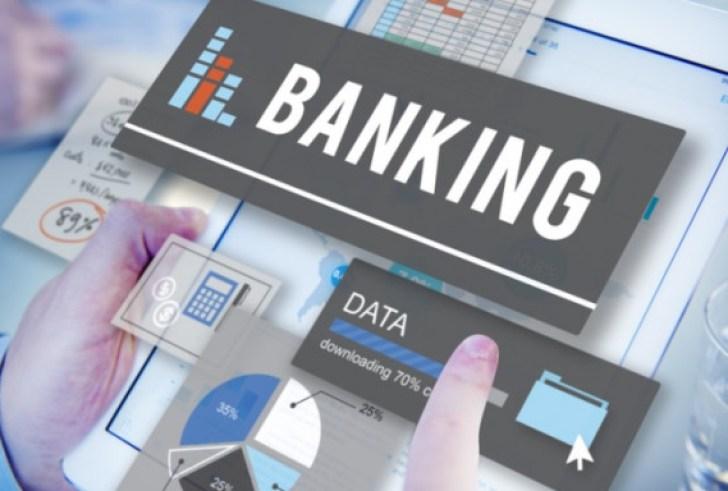 Τι αλλάζει στις τράπεζες: Τέλος οι συναλλαγές στα ταμεία, καταργούνται τα βιβλιάρια