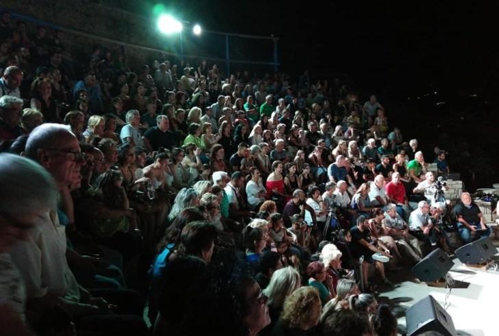 Με μεγάλη επιτυχία και με πλήθος κόσμου η θεατρική παράσταση στην Αγία Γαλήνη!