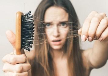 Τον Ιούλιο χάνουμε τα περισσότερα μαλλιά