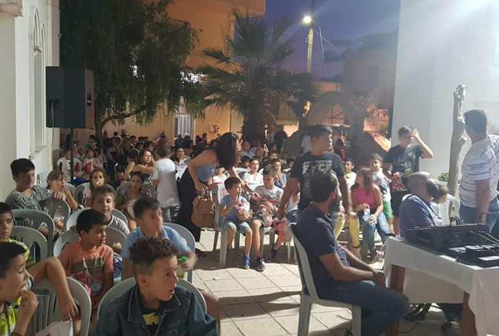 Με μεγάλη επιτυχία και πλήθος κόσμου η βραδιά θερινού σινεμά στη Γαλιά (φώτο)