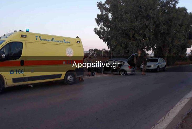 """Τροχαίο ατύχημα λίγο πριν το """"Δέλτα"""" Κόκκινου Πύργου – Αυτοκίνητο έπεσε πάνω σε δέντρο (φώτο)"""
