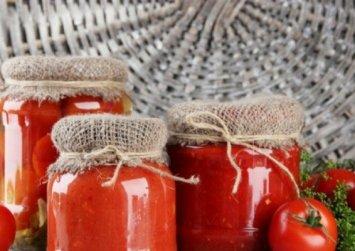 Σπιτική κονσέρβα ντομάτας, πελτές, μαρμελάδα και κέτσαπ