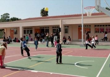 Ο Λευτέρης Αυγενάκης σε σχολεία του Ηρακλείου για την Παγκόσμια Ημέρα Σχολικού Αθλητισμού