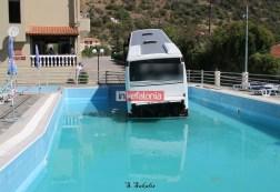 Λεωφορείο από την Κρήτη κατέληξε σε πισίνα ξενοδοχείου στην Κεφαλονιά!