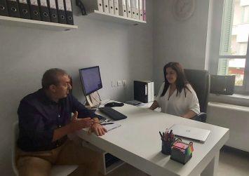 Σχολική στέγη, εκπαιδευτικά κενά & οδική ασφάλεια συζήτησε ο Σ. Βαρδάκης με την Έφη Κουτεντάκη