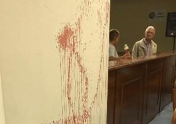 Σοκ στον Aστακό: Ο πρώην δήμαρχος εκανε «φλεβοκέντηση» στο δημοτικό Συμβούλιο
