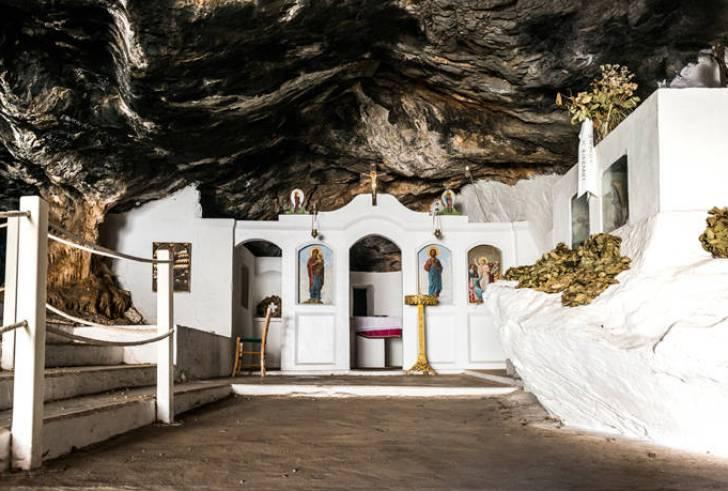 Το σπήλαιο της Κρήτης στο οποίο σφαγιάστηκαν εκατοντάδες αθώοι