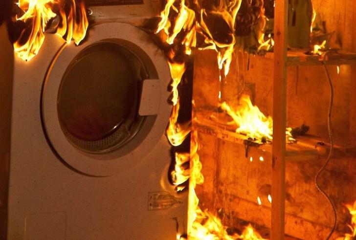 Άρπαξε φωτιά το πλυντήριο – Γλίτωσαν τα χειρότερα