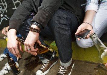 Κρήτη: Αποβολή σε 18 μαθητές Γυμνασίου για κατανάλωση αλκοόλ στο σχολείο την Τσικνοπέμπτη