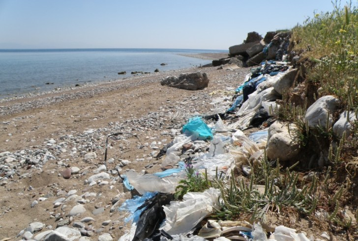 Συνεργασίας Περιφέρειας, Δήμων & Ξενοδόχων Κρήτης για την πρόληψη της πλαστικής ρύπανσης στις ακτές