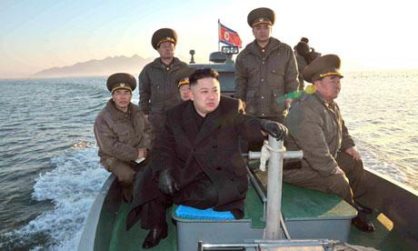 El jóven líder de Corea del Norte, Kim Jong Un, en la frontera con Corea del Sur